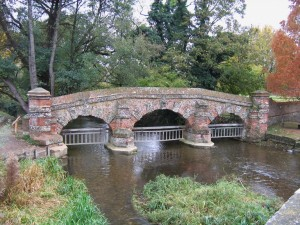 The 'bridge' - probably a cattle screen - on the Darent at Farningham